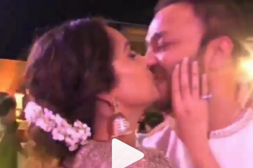अंकिता लोखंडेने सर्वांसमोर केलं बॉयफ्रेंडला किस, व्हिडीओ व्हायरल