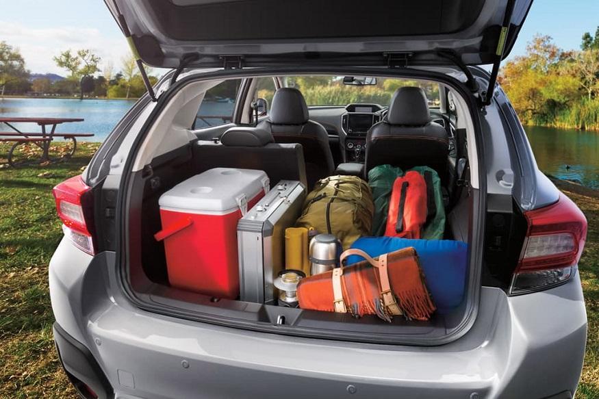 कारमध्ये अति सामान ठेवू नका. 48 किलो सामान ठेवल्यानं इंधनाचा खर्च 2 टक्के वाढतो. कारला लागणाऱ्या वस्तू मात्र कारमध्ये ठेवा.
