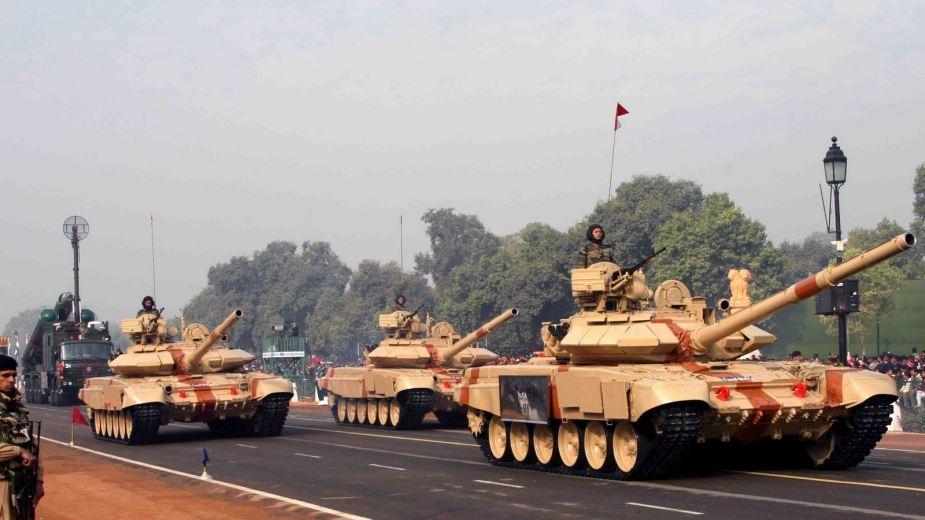 भारताच्या लष्करात T-90 आणि  T-72  हे दोन प्रकारचे रणगाडे आहेत. नव्या रणगाड्यांच्या निर्मितीवरही भारतीय लष्कर काम करत आहे.