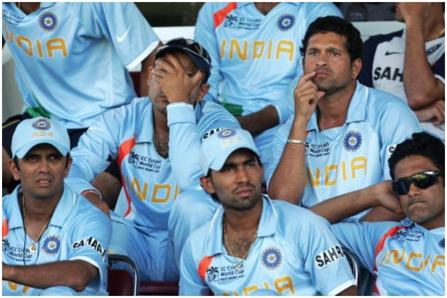2007चा विश्वचषक भारताकरिता एखाद्या वाईट स्वप्नसारखा होता. त्यावेळी भारतीय संघानं आकाशी रंगाची जर्सी परिधान केली होती. मात्र ही जर्सी भारतीय संघासाठी यशस्वी ठरली नाही.