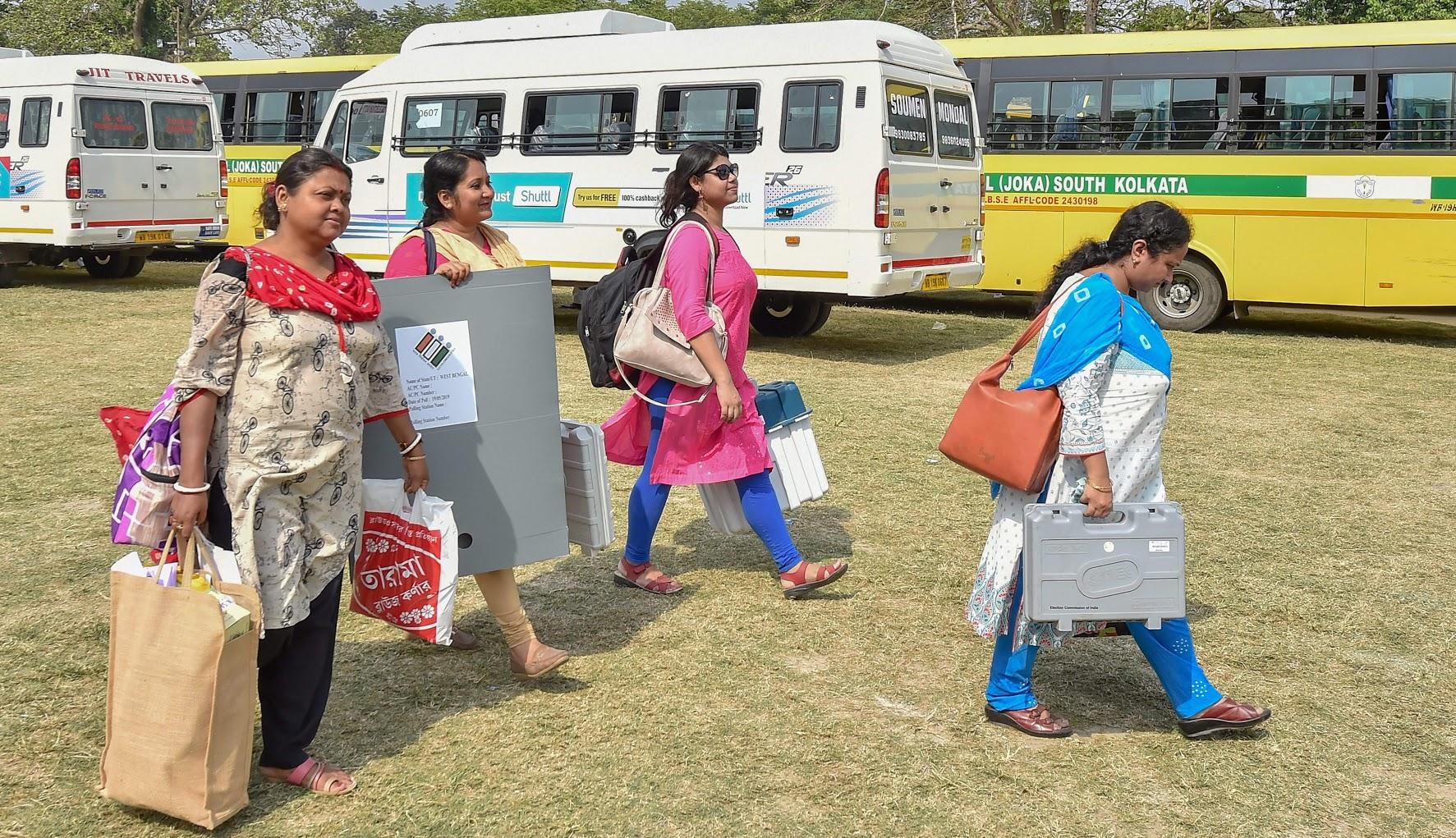 लोकसभा निवडणुकीसाठी यावेळी निवडणूक आयोगाने 40 लाख EVMचा वापर केला. जेणेकरून 90 कोटी भारतीय मतदार कोणत्याही अडचणीशिवाय मतदान करु शकतील. 2019च्या निवडणुकीत 60 कोटी मतदारांनी मतदानाचा हक्का बजावला.