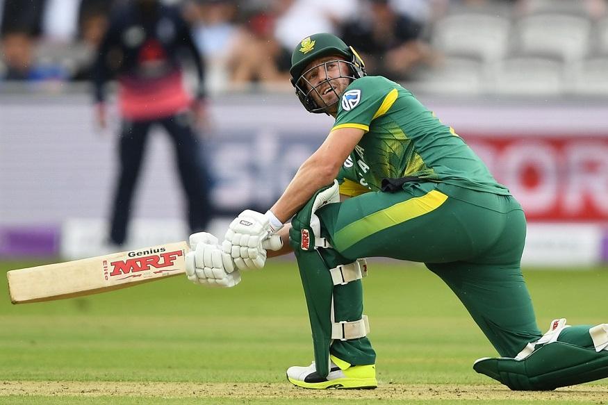 2023 च्या वर्ल्ड कपमध्ये खेळण्याबद्दल डिव्हिलियर्सने एक अट ठेवली आहे. तो म्हणाला की, जर भारताचा माजी कर्णधार महेंद्रसिंग धोनी 2023 मध्ये खेळणार असेल तर मीसुद्धा नक्की खेळेन.