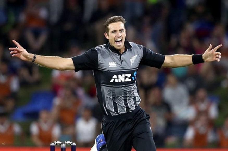 टिम साउदी हा इंग्लंडमध्ये पहिल्या 10 षटकात सर्वात जास्त चेंडू स्विंग करणारा गोलंदाज  आहे. न्यूझीलंडचा हा गोलंदाज इंग्लंडमध्ये 1.12 डिग्री चेंडू हवेत स्विंग करू शकतो. त्याने इंग्लंडमध्ये 16 एकदिवसीय सामन्यात 25 विकेट घेतल्या आहेत.
