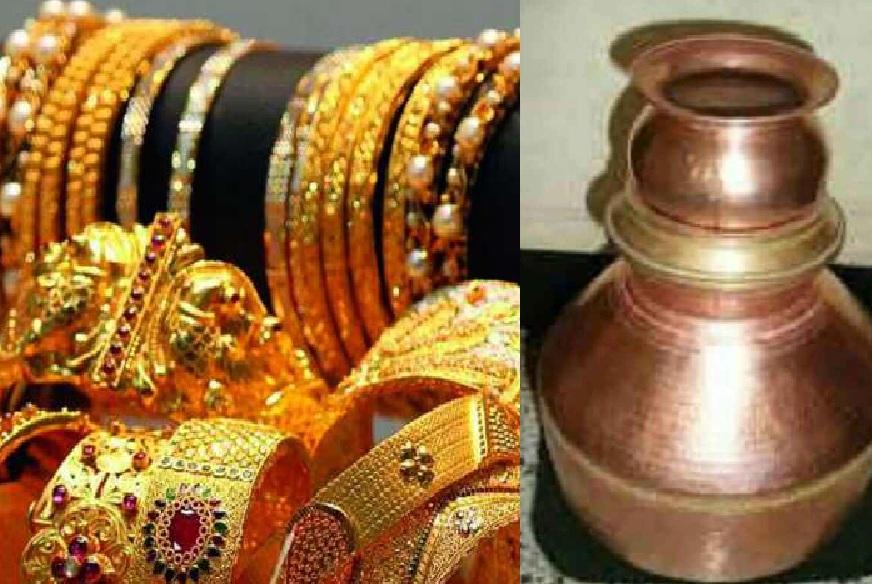 वृश्चिक राशीच्या व्यक्तींनी अक्षय तृतीयेला सोनं खरेदी करावं. तसंच तांब्याची भांडी खरेदी करणं हेसुद्धा या राशीच्या व्यक्तींसाठी शुभ आणि फलदायी ठरू शकतं.