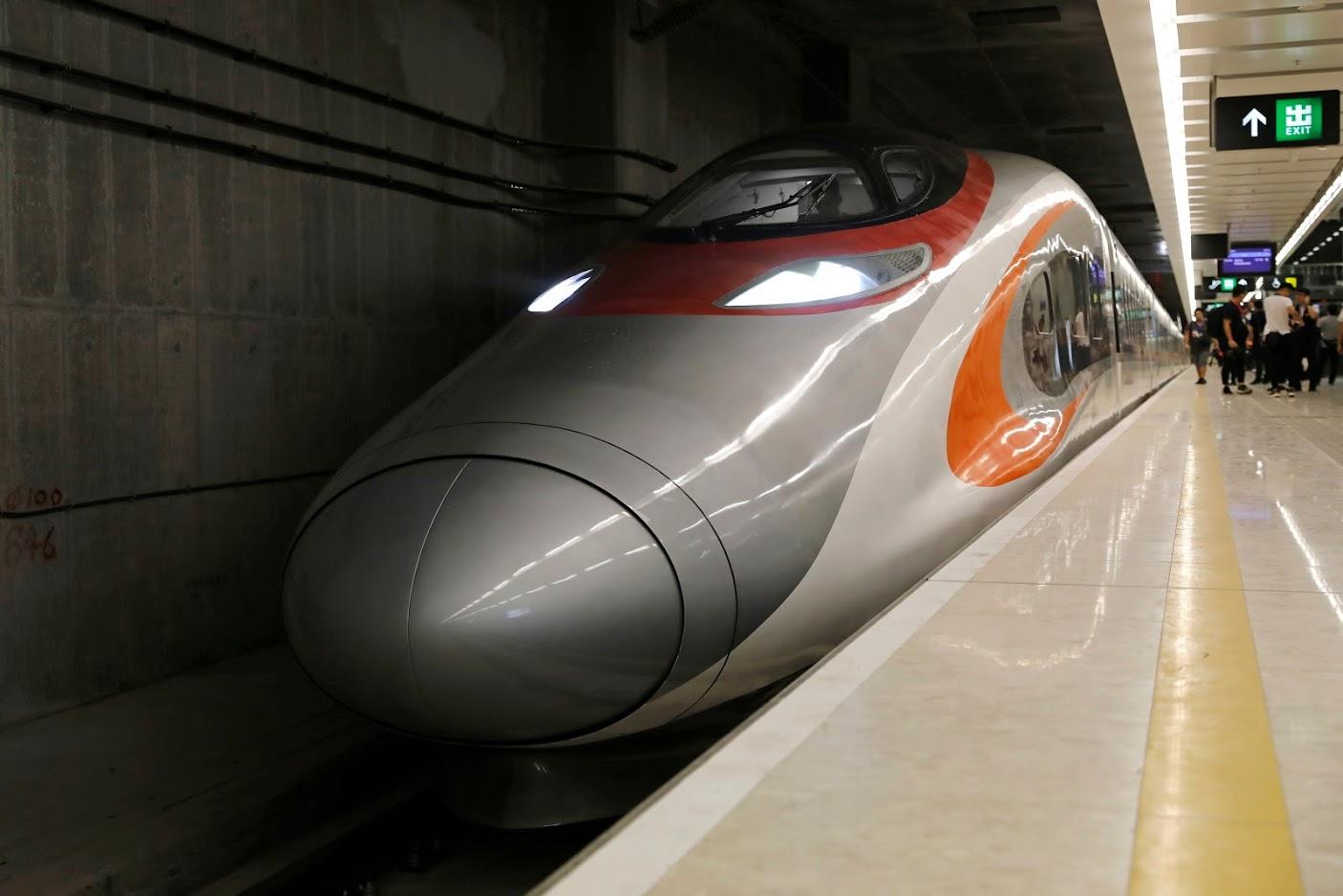 जापनमधील सेंडई आणि ओमोरी या 280 किमी अंतर असलेल्या दोन शहरांदरम्यान या बुलेट ट्रेनची चाचणी घेतली जात आहे.