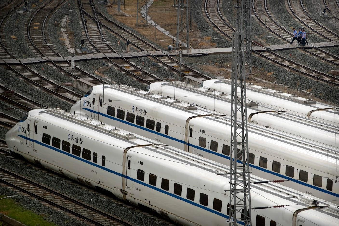 जापानची नवी हाय-स्पीड 'शिंकानसेन N700S' ही बुलेट ट्रेन 2020 मध्ये सुरू होईल. तिची गती 300 किमी प्रति तास राहणार आहे.