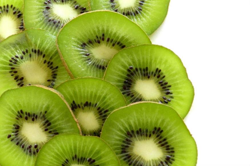 डेंग्युपासून वाचण्यासाठी 'ही' आहेत 5 सुपरफूड्स; 'या' फळांनी वाढतात प्लेटिलेट्स
