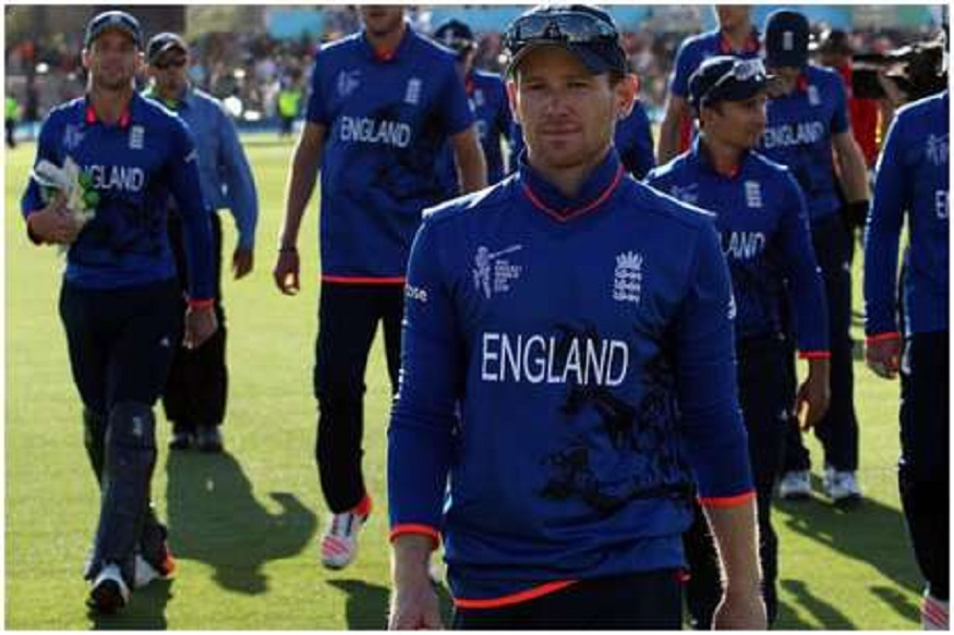 इंग्लंडच्या कर्णधारावर निलंबनाची कारवाई, इतर खेळाडूंनाही दंड