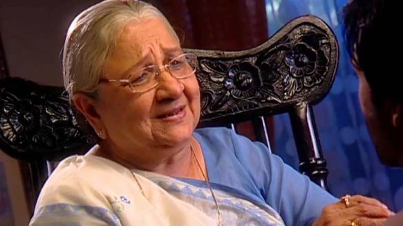 'क्योंकि सास भी कभी बहू थी' मालिकेतून घराघरात पोहोचलेल्या सुधा शिवपुरी यांनीही शाहरुखसोबत मेमसाब सिनेमात काम केलं आहे. २०१५ मध्ये वयाच्या ७७ व्या वर्षी अखेरचा श्वास घेतला.
