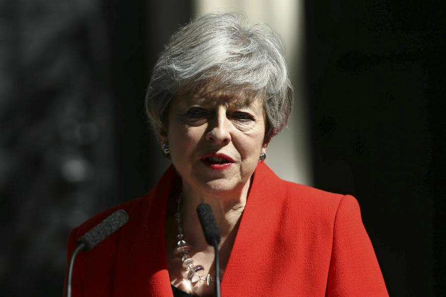 ब्रिटनच्या पंतप्रधान थेरेसा मे देणार राजीनामा, घोषणा करताना का झाल्या भावूक?