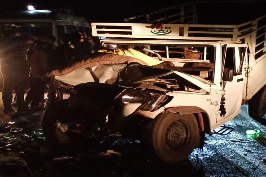 लग्नाच्या वऱ्हाडाच्या गाडीला अपघात, आठ जणांचा मृत्यू, 24 गंभीर जखमी