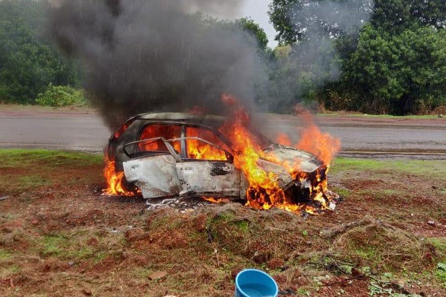 The Burning Car: मुंबई-गोवा महामार्गावर कारमध्ये स्फोट, चालकाचा कोळसा