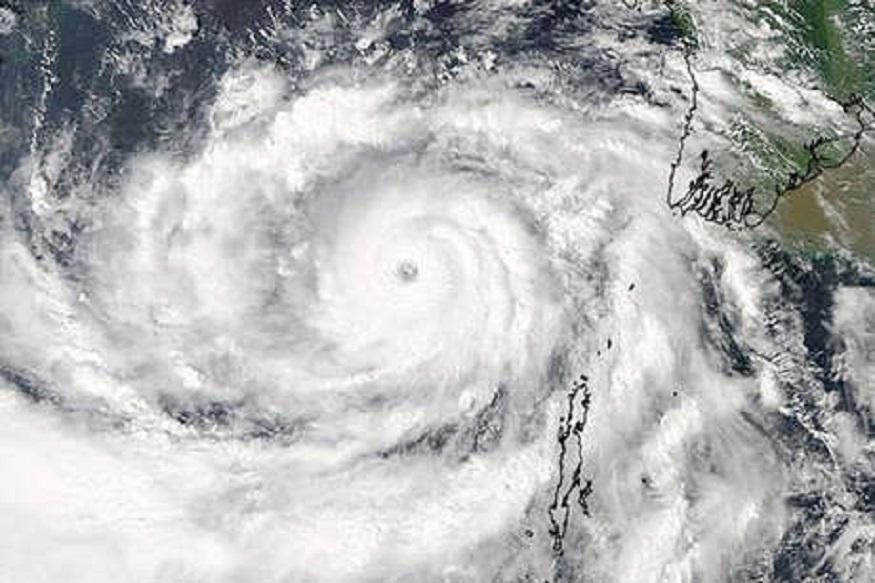 Weather Alert : चक्रीवादळ वायू पुन्हा येणार; वादळाने दिशा बदलली, महाराष्ट्रात दिसणार 'हे' परिणाम
