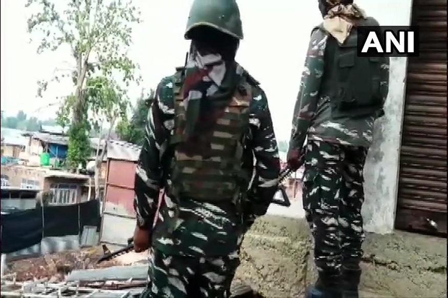 काश्मीर खोऱ्यात 4 दहशतवादी हल्ले, मेजरसह 4 जवान शहीद