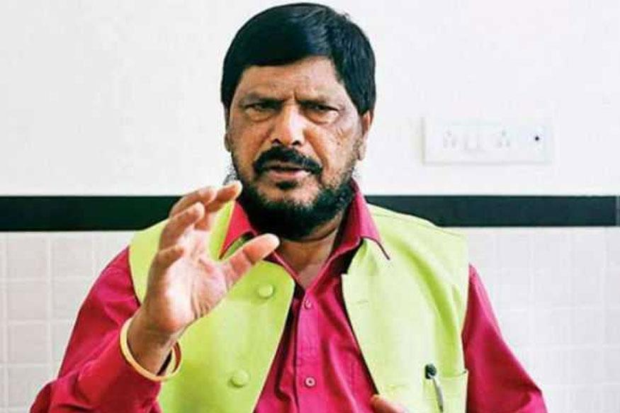 टीम इंडियाच्या जर्सीचा रंग भगवा करण्यावर काय म्हणाले मोदींचे हे मंत्री
