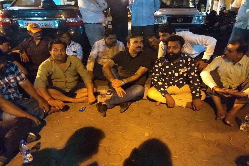भाजपच्या नगरसेवकाचं BMCच्या अधिकाऱ्याविरुद्ध  रात्रभर आंदोलन