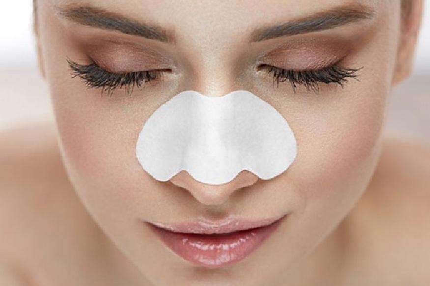 ब्लॅकहेड्स काढताना चेहऱ्यावरील त्वचेला परत मुलायम करण्यासाठी एखादं एखादा कूलिंग मास्क लावावा.