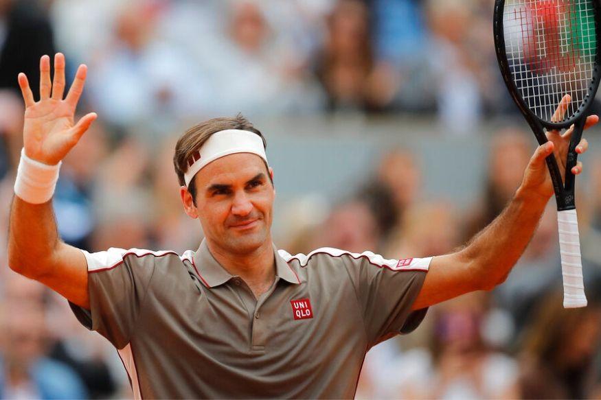 या यादीत टेनिस स्टार रॉजर फेडरर पाचव्या क्रमांकावर आहे. गेल्या वर्षभरात फेडररनं 93.4 मिलीयन डॉलर एवढी कमाई केली आहे.