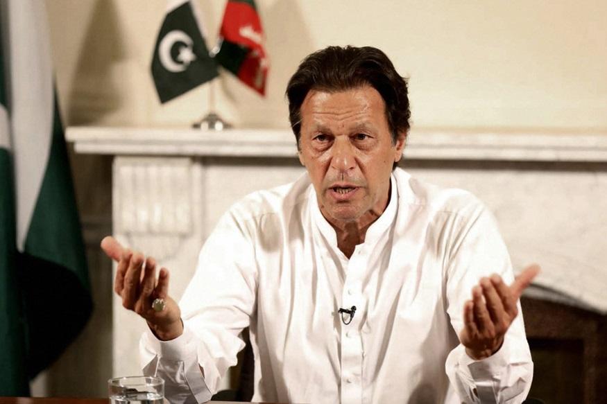 पाकिस्तानला अजूनही वाटते Air Strikeची भीती; भारताला केली ही विनंती! Air Strike, Pakistan, Air Space, imran khan, Narendra Modi