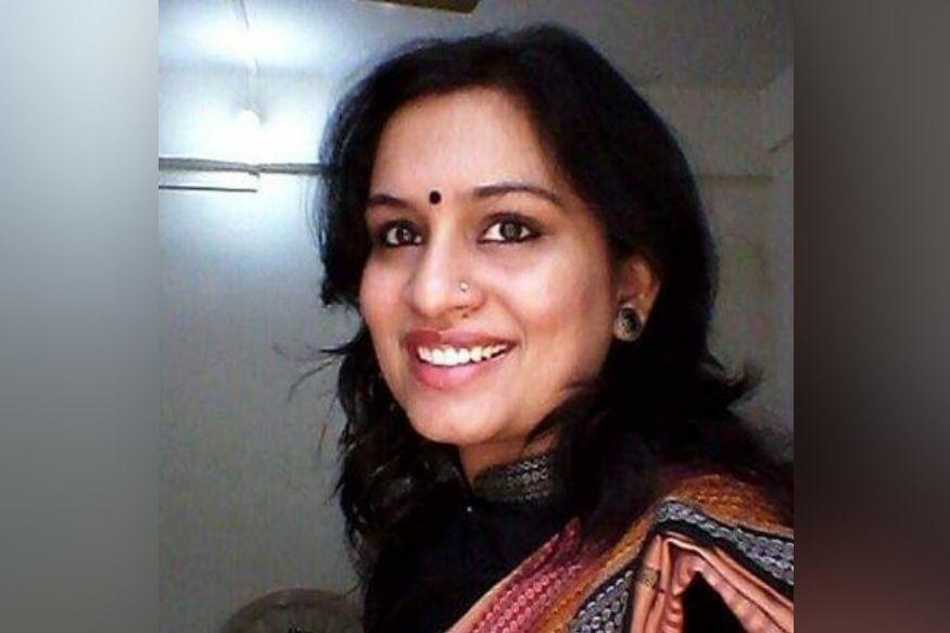 'थँक्यू गोडसे, नोटांवरून गांधींचा फोटो हटवा' महिला IAS अधिकाऱ्याचं वादग्रस्त ट्वीट