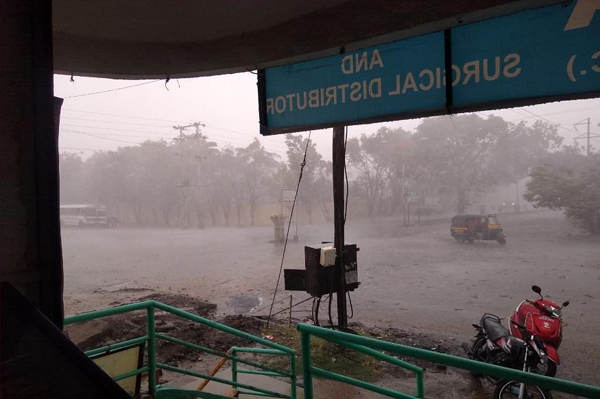 Weather Today औरंगाबादमध्ये सोसाट्याचा वारा आणि गारांचा पाऊस; नाशिकलाही पावसानं झोडपलं