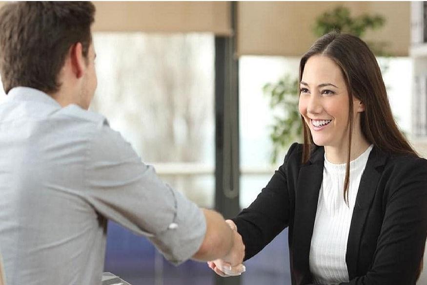 नव्या नोकरीचा पगार निश्चित करताना करू नका 'या' चुका