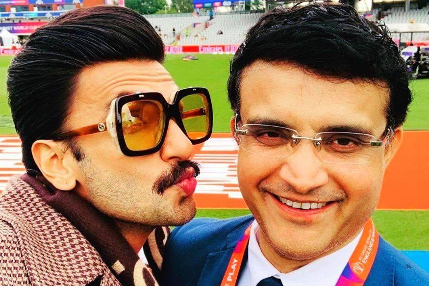 भारत- पाकिस्तान सामन्यादरम्यान सौरव गांगुलीला रणवीर सिंगने केले KISS