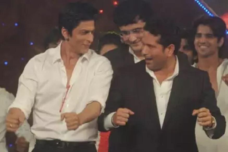 शाहरुख खानने चालवली बाइक तर सचिन तेंडुलकरने दिला सल्ला, पाहा VIDEO Sachin Tendulkar | Shah Rukh Khan |