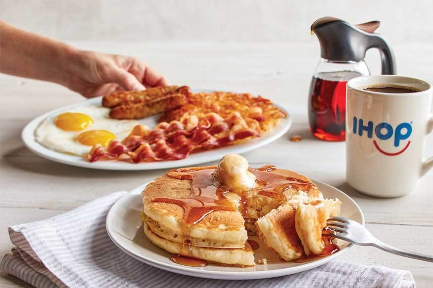 सकाळचा नाश्ता महत्त्वाचा. पोटभर खाल्ल्यानं शरीराला ऊर्जा मिळते, त्यामुळे सकस आणि पोटभर नाश्ता घ्या. अति नाश्ता घेतल्यानं आळस किंवा अपचन होण्याची शक्यता असते. नाश्त्यामध्ये दूध, अंड, फळाचा समावेश आवर्जून करा.
