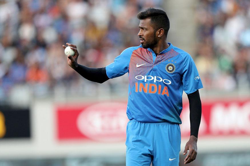 पांड्याला टी-20 स्पेशालिस्ट फलंदाज मानले जाते. त्याच्या शानदार खेळीच्या जोरावर भारतानं अनेक सामने जिंकले आहेत. मात्र टी-20मध्ये भारताला विजय मिळवून देण्यासाठी या तीन खेळाडूंना पांड्याची जागा घ्यावी लागणार आहे.