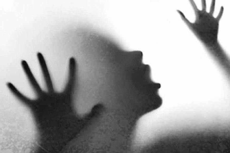 टीव्ही पाहण्यासाठी गेलेल्या 6वर्षीय चिमुरडीवर चुलत मामानेच बलात्कार
