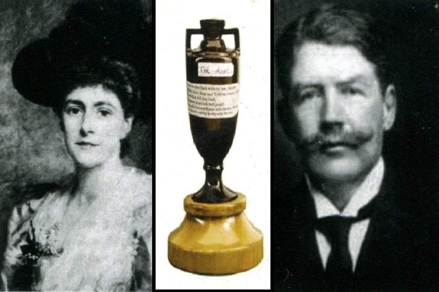इंग्लंडच्या कर्णधाराला ज्या महिलेनं ती ट्रॉफी दिली होती त्या फ्लोरेन्स मॉर्फीशीच 1884 मध्ये त्यानं लग्न केलं. ब्लोगच्या मृत्यूनंतर फ्लोरेन्सनं त्यांच्या प्रेमाचं प्रतिक असलेली ती ट्रॉफी 1929 मध्ये मेलबर्न क्रिकेट क्लबला दिली. आजही अॅशेस ट्रॉफी संग्रहालयात असून विजेत्या संघाला प्रतिकृती दिली जाते.