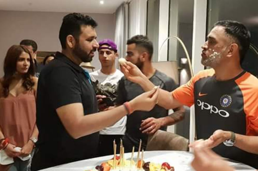 Happy Birthday Dhoni : टीम इंडिया असा साजरा करणार धोनीचा बर्थ डे, रोहितनं सांगितला प्लॅन