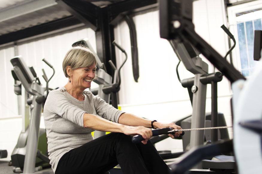 दिवस-रात्र फक्त व्यायाम नको. संतुलित आहारासोबत आवश्यक नियमित व्यायाम हवा.