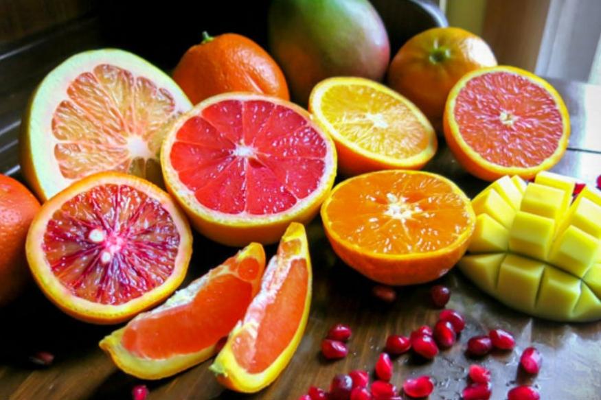 उपवासात फळ, फळांचा रस तसंच लिंबू पाणी पिऊ इच्छित नसाल तर भरपूर प्रमाण साधं पाणी प्या. उपवासात जास्तीत जास्त पाणी शरीरात जाणं आवश्यक आहे. यामुळे शरीर निरोगी राहण्यास मदत होते.