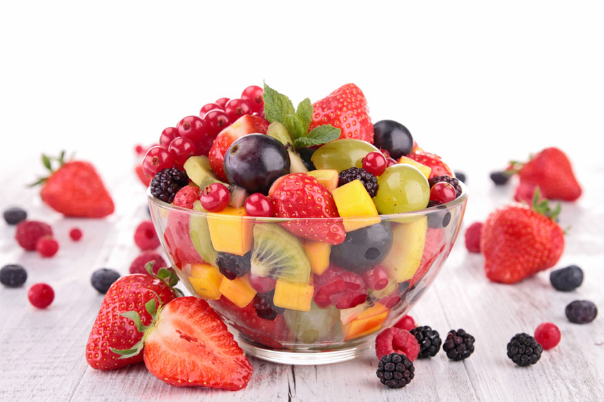 इतर कामांना सुरुवात करण्यापूर्वी चांगला ब्रेकफास्ट करा. ताजी फळं, दूध किंवा दुग्धजन्य पदार्थ यांचा न्याहारीत समावेश अवश्य करा. या 7 गोष्टी केल्यात तर दिवस उत्साहात जाणार हे निश्चित