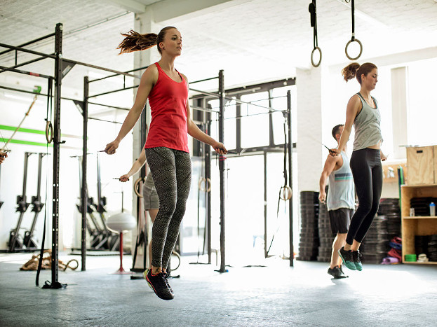 जिममधल्या व्यायामाने सांधेदुखी होते, हा गैरसमज आहे. व्यायामाचा आणि हाडांच्या दुखण्याचा संबंध नाही. असलाच तर व्यायामाच्या कमतरतेमुळे आजार होऊ शकतात.