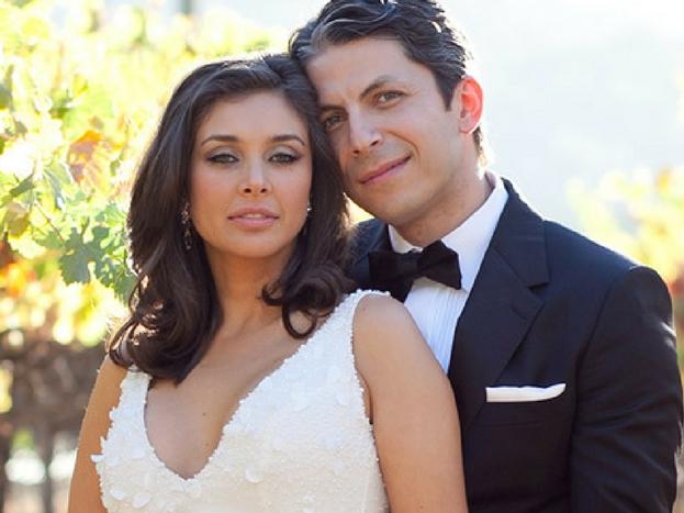 प्रसिद्ध मॉडेल आणि अभिनेत्री  लीजा रे नं 40 व्या वर्षी लग्न केलं होतं.