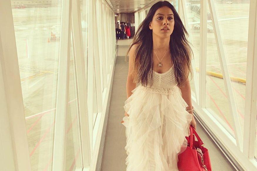 'यात तर 20 लोकांचे कपडे होतील', कॉमेडियनने उडवली निया शर्माच्या ड्रेसची थट्टा