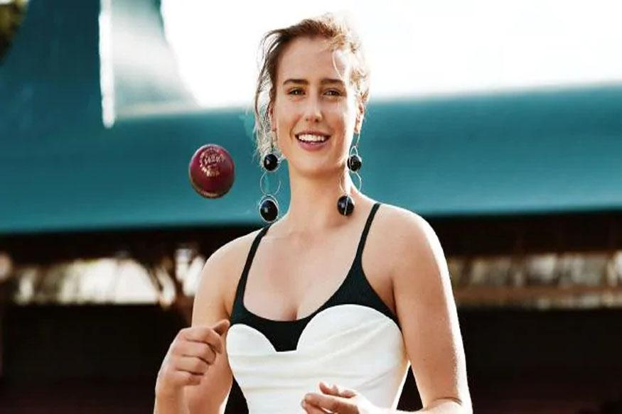 पैरी ऑस्ट्रेलियाची अष्टपैलू खेळाडू आहे. 16व्या वर्षी तिनं आंतरराष्ट्रीय क्रिकेटमध्ये पदार्पण केले होते. एवढेच नाही तर त्याचवेळी तीची निवड महिला फुटबॉल संघातही झाली होती.