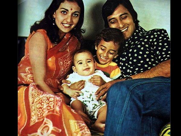 अभिनेता विनोद खन्ना यांनी गितांजली तलेयारकर यांच्याशी 1971 मध्ये लग्न केलं होतं . पण नंतर 1975 मध्ये ते ओशो यांचे अनुयायी बनल्यावर गितांजली आणि विनोद यांच्या नात्यात दुरावा आला आणि याची परिणाम म्हणजे या दोघांनी 1985 मध्ये घटसफोट घेतला.