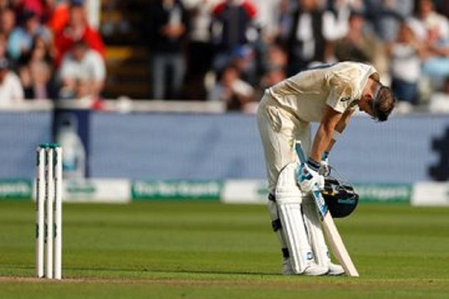 कसोटीत 119 डावांत 25 शतकं करण्याची कामगिरी स्मिथने केली आहे. याबाबतीत त्यानं सचिन तेंडुलकर आणि विराट कोहलीला मागे टाकलं आहे. सचिनने 130 डावात तर विराटने 127 डावात 25 शतकं केली होती.