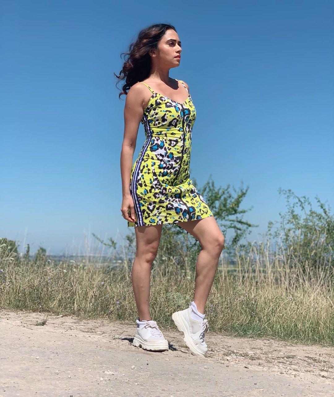 सध्या अमृता खतरों के खिलाडीच्या शूटिंगसाठी बल्गेरियामध्ये आहे. तिथले काही फोटो तिनं तिच्या इन्स्टाग्रामवर शेअर केले आहेत.