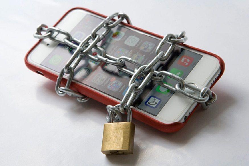 आज आम्ही तुम्हाला अशा सहा जागा सांगणार आहोत जिथे तुम्ही तुमचा मोबाइल कधीही ठेवू नये.