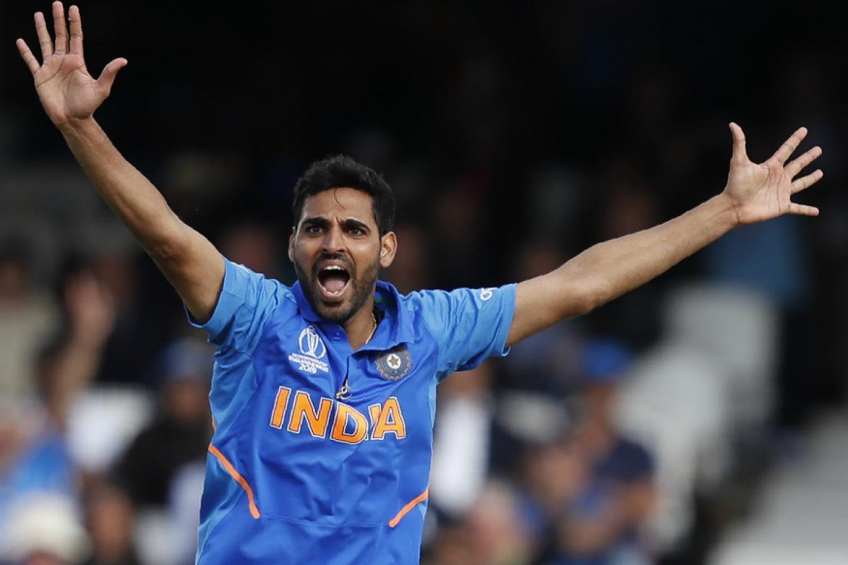 भारताचा भरवशाचा गोलंदाज भुवनेश्वर कुमारनं टीम इंडियाला अनेक एकहाती विजय मिळवून दिले आहेत. मात्र, त्याचा समावेश अ गटात गेल्या वर्षी करण्यात आला. मात्र येत्या टी-20 वर्ल्ड कपमध्ये भुवनेश्वर कुमारला संधी मिळाल्यास त्याला अ गटात स्थान मिळू शकते.