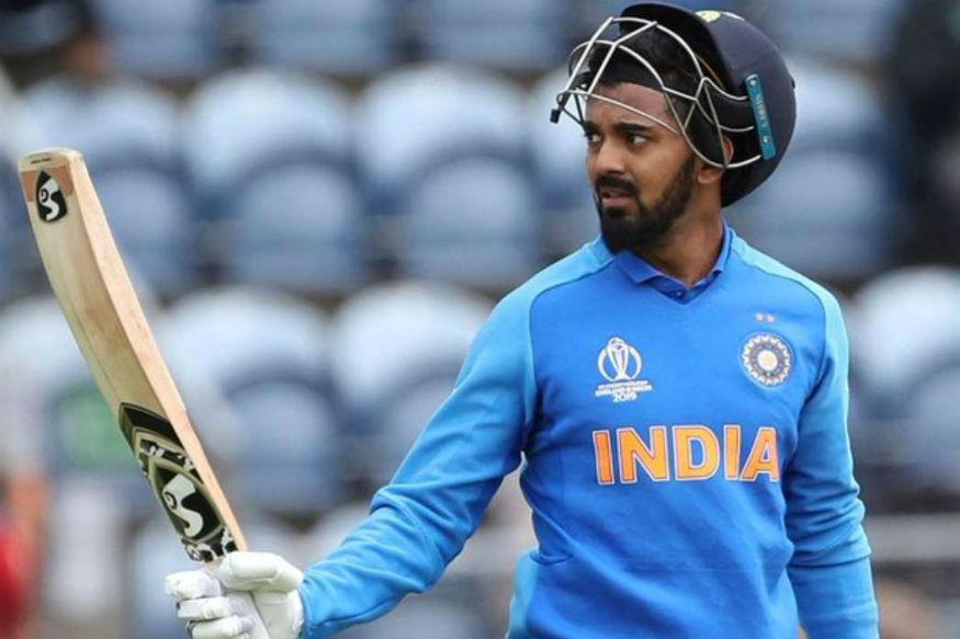 यात पहिला क्रमांक लागतो तो केएल राहुलचा. एकदिवसीय आणि टी-20 क्रिकेटमध्ये सलामीला फलंदाजी करणाऱ्या राहुलनं वर्ल्ड कपमध्ये चांगली फलंदाजी केली. अजूनपर्यंत त्याला कसोटी क्रिकेटमध्ये आपली जागा बनवता आलेली नाही.