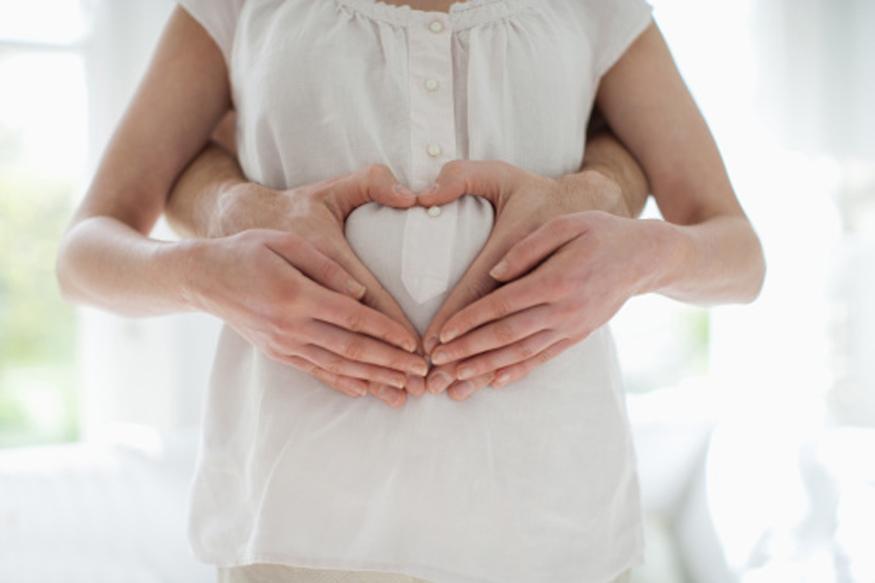 यावरून कमी वयात आई होणं हे महिलांच्या आरोग्यासाठी फारसं चांगलं नसल्याचं समोर आलं आहे.