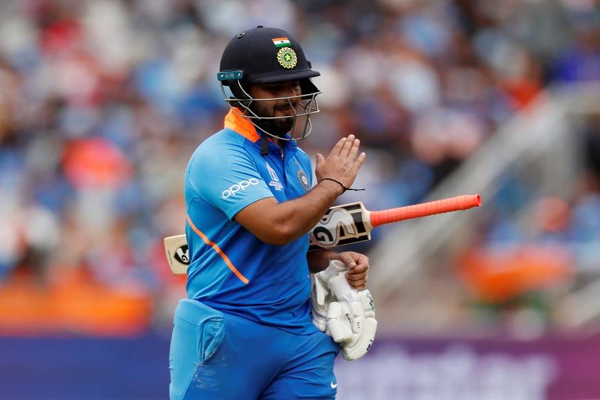 भारतीय संघ सध्या वेस्ट इंडिज दौऱ्यावर आहे. टी-20 मालिका आपल्या खिशात घातल्यानंतर टीम इंडियानं एकदिवसीय मालिकेत दुसऱ्या सामन्यात विजय मिळवला. या सामन्यात ऋषभ पंतच्या फलंदाजीवरून प्रश्नचिन्ह उपस्थित झाले आहेत.