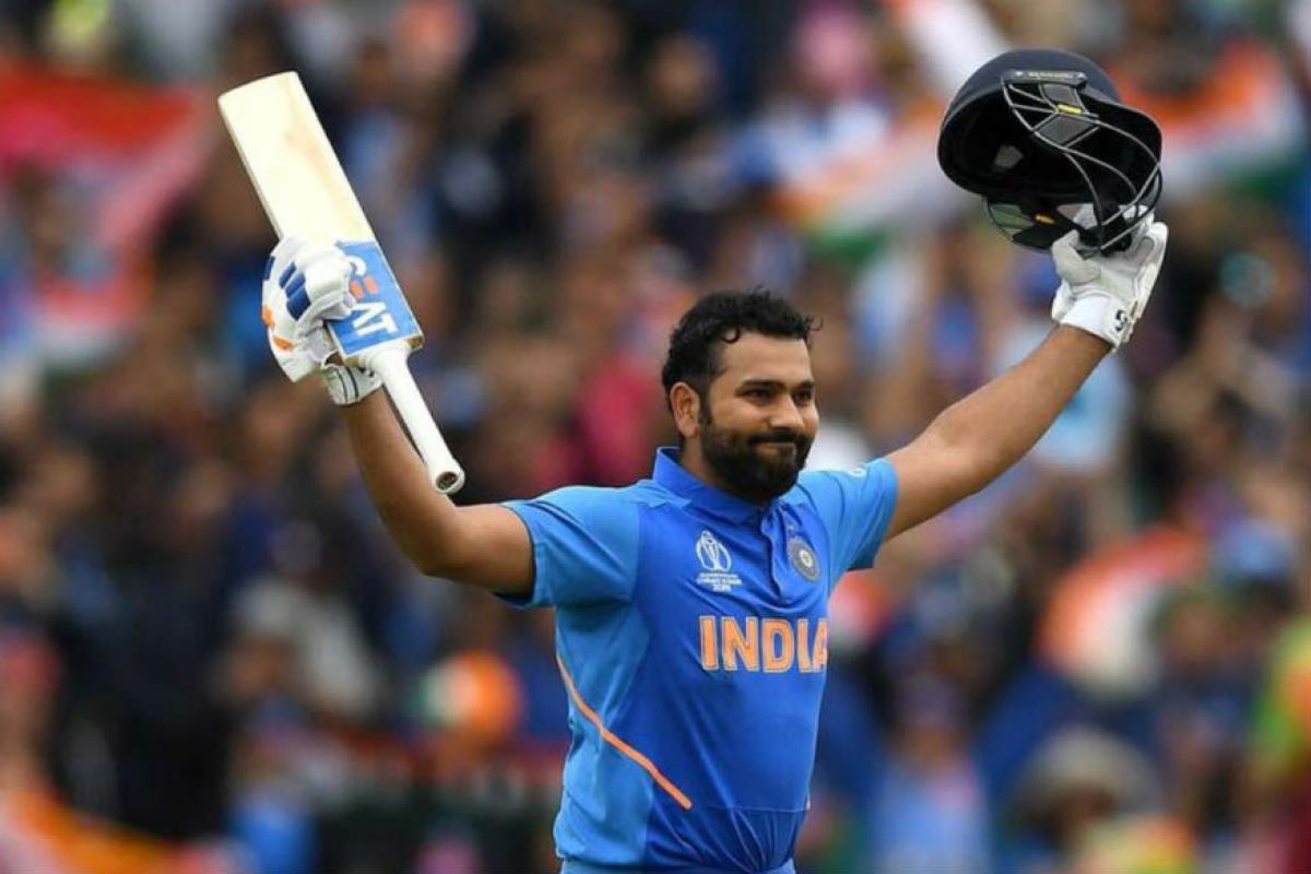 वेस्ट इंडिज विरोधात होणाऱ्या या टी-20 सामन्यात रोहितला केवळ 4 षटकारांची गरज आहे सर्वात मोठा रेकॉर्ड मोडण्याची. रोहितनं  94 टी20 सामन्यात 102 षटकार मारले आहेत. तर, वेस्टइंडीजचा दिग्गज फलंदाज गेलने 58 सामन्यात 105 षटकार लगावले आहेत.