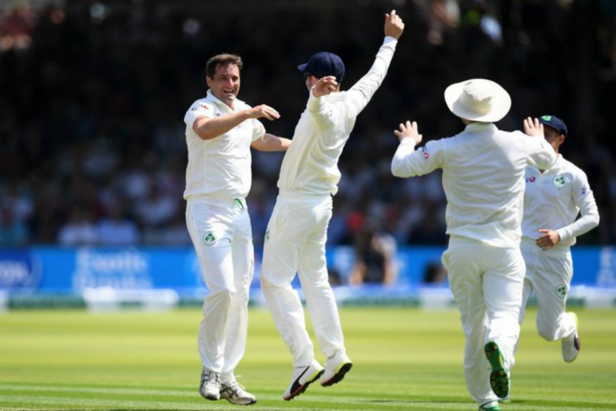 वर्ल्ड चॅम्पियन इंग्लंड संघाला आता टेस्ट चॅम्पियन बनण्याची संधी आहे. मात्र, ऑस्ट्रेलियाचा संघ त्यांच्यासाठी अडथळा ठरू शकतो. मालिकेतील दोन सामने जिंकल्यानंतर संघांना 120 गुण मिळतील तर, 5 सामन्यांच्या मालिकेत 3 सामने जिंकल्यानंतर 72 गुण मिळतील. त्यामुळं अॅशेस मालिकेत त्यांना चांगली कामगिरी करावी लागणार आहे.